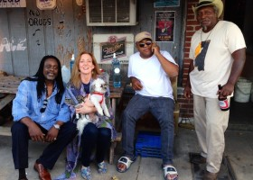 Riley, Madge, Dandy, Red, Dingo kickin' it in front of Red's Lounge in Clarksdale